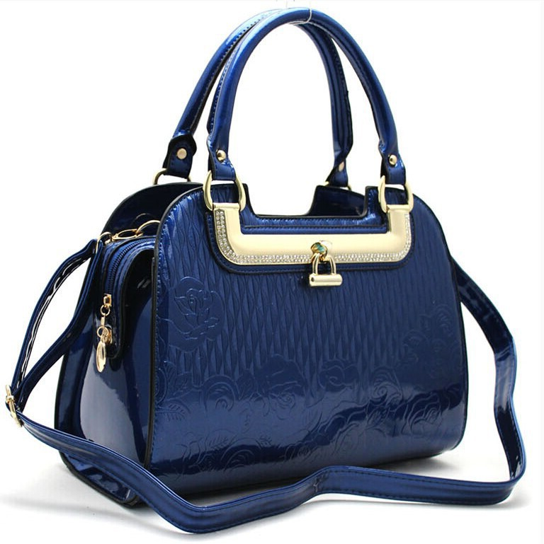 Discount handbags wholesale. Handbags and Purses on Bags-Purses.com